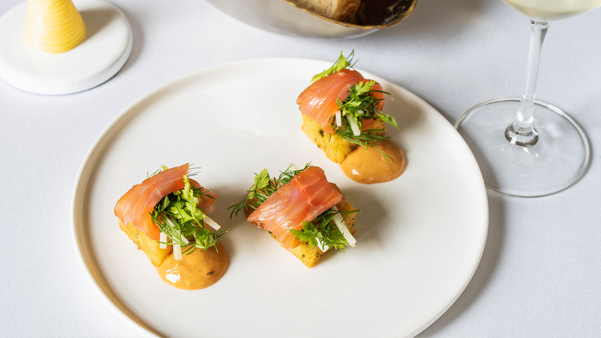 Crisp-potato-rosti,-whisky-smoked-salmon-v-1920x1080