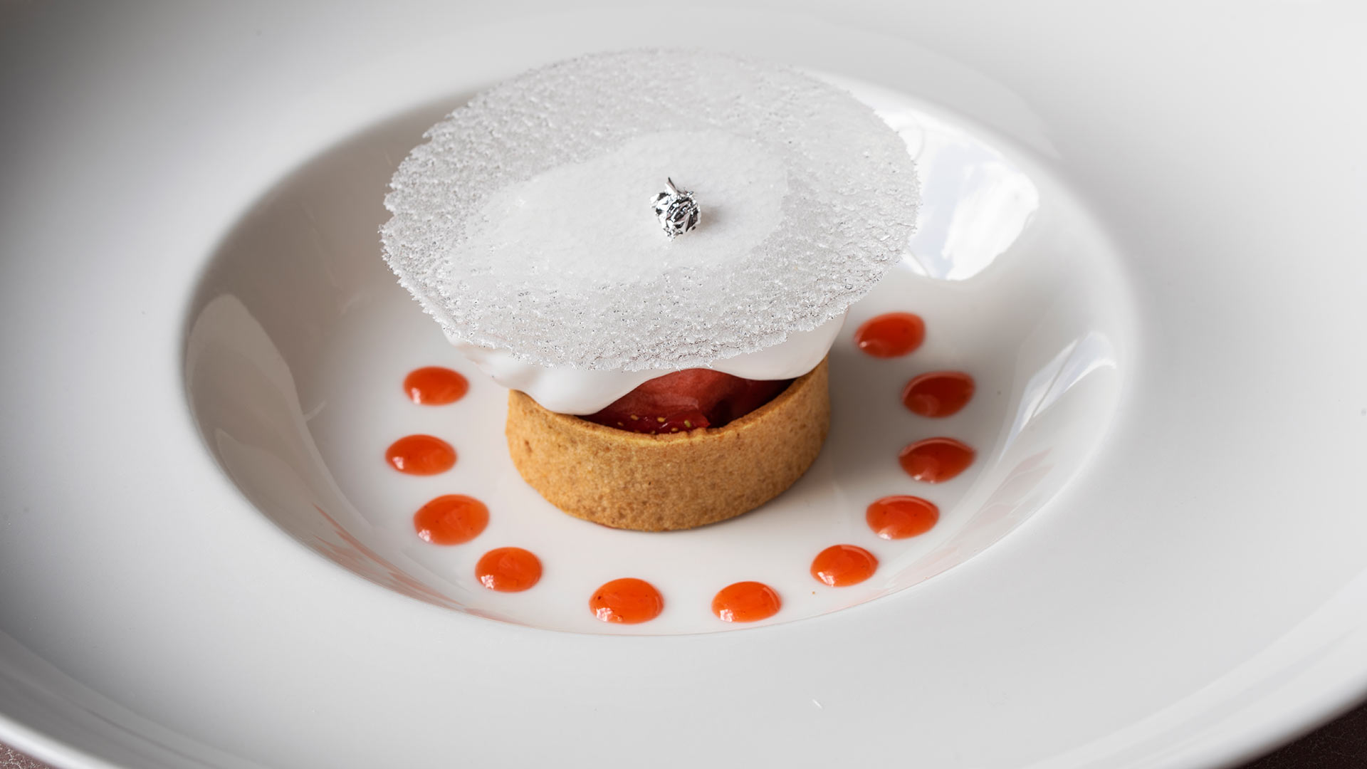 Strawberry-and-coconut-tart-opaline-and-sorbet-1920x1080
